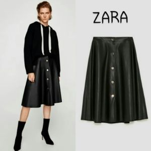 Zara black faux leather skirt Largr
